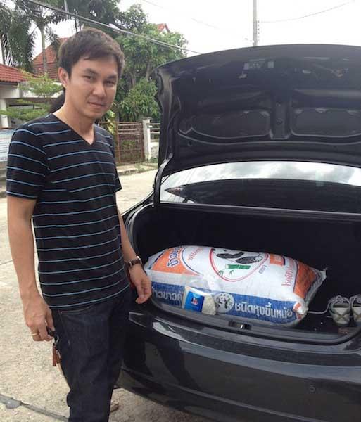2012-08-18 13.00.48 พี่pop